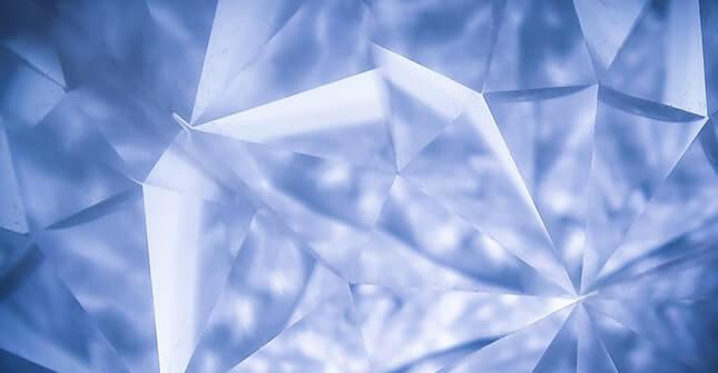 Mikrodermabrazja diamentowa jest najczęściej wykonywanym rodzaje mikrodermabrazji