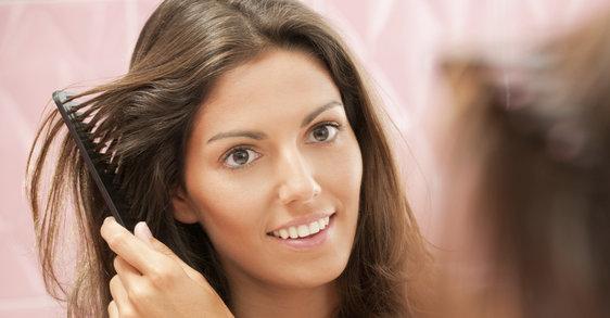 Maska na suche włosy - jak radzić sobie z rozdwojonymi końcówkami?