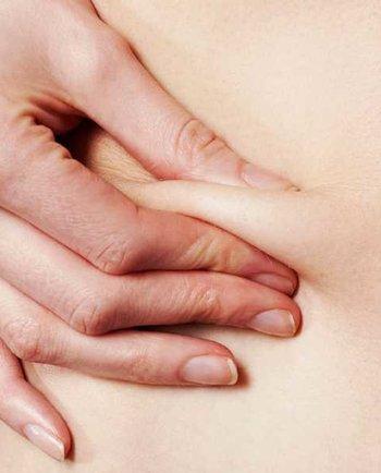 Jakie zaburzenia hormonalne w okresie menopauzy wpływają na zmiany w obrębie skóry?