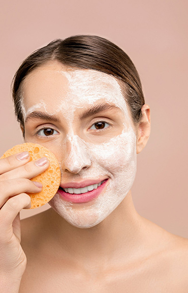 Fot. Dokładne oczyszczanie skóry to podstawa pielęgnacji