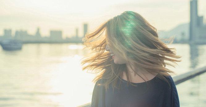 Sprawdź sposoby na suche włosy