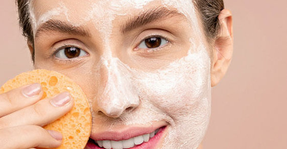 Oczyszczanie twarzy – jak robićto prawidłowo?