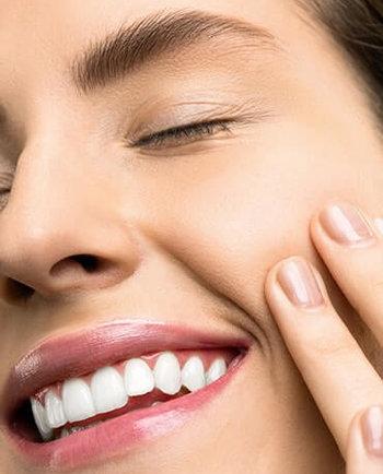 Peeling kawitacyjny – czy warto wydawać pieniądze w salonie kosmetycznym?