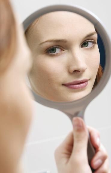 Jak odmłodzić twarz? Sprawdź 5 sprawdzonych sposobów!