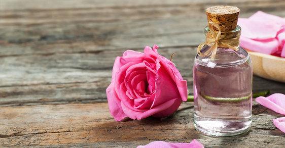 Olejek różany w kosmetyce – właściwości i zastosowanie