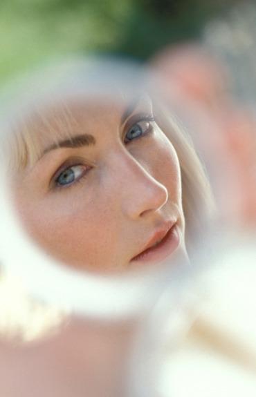 Problem nie tylko alergików: podrażniona skóra twarzy. Jak radzić sobie z uciążliwymi objawami?