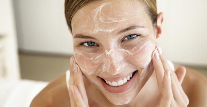 Mycie twarzy - wypróbuj żel do mycia twarzy