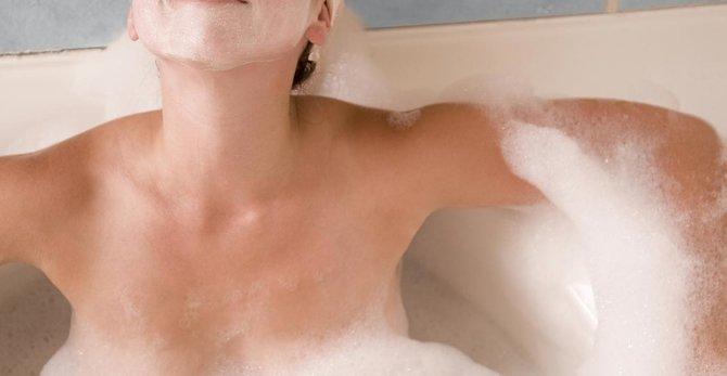 Przyczyny wysuszonej skóry - jak nawilżyć skórę?