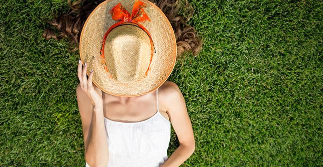 Uczulenie na słońce najczęściej objawia się wiosną