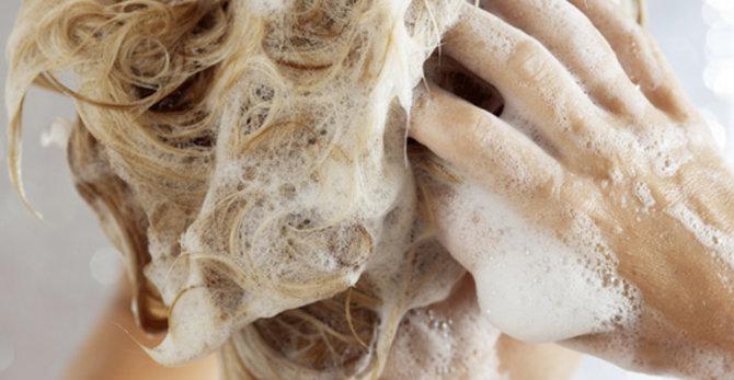 Włosy suche i łamliwe - jak powinna wyglądać ich pielęgnacja?