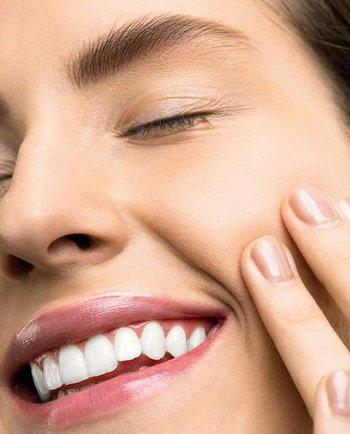 Podkład do skóry tłustej – jakie powinien mieć właściwości?