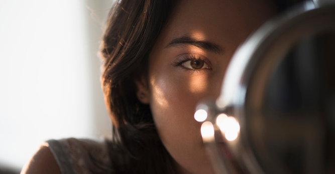 Młodsze spojrzenie i wzmocnienie rzęs dzięki jednemu kosmetykowi