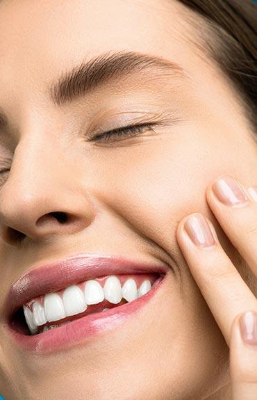 Podkład do skóry tłustej zapewnia matowe wykończenie na wiele godzin