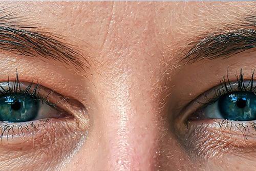 Antiaging - oczy dojrzałej kobiety