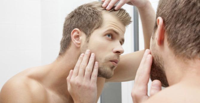 Sposób na zakola - czyli jak radzić sobie z łysieniem u mężczyzn?