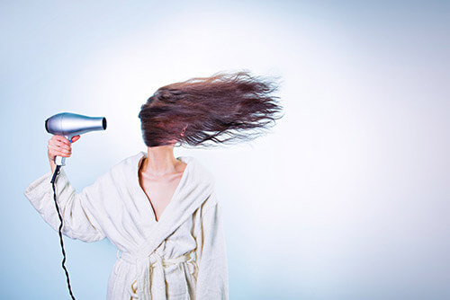 Menopauza - suszenie włosów