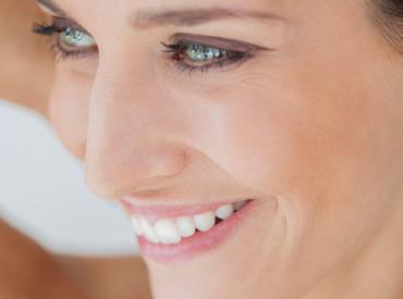 Retinol w kosmetykach - jakie ma właściwości, dla kogo jest wskazany?