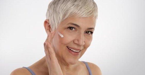Czy można odmłodzić twarz bez inwazyjnych zabiegów kosmetycznych?