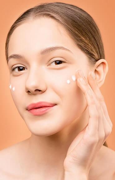 Phenoxyethanol przedłuża trwałość kremów do twarzy