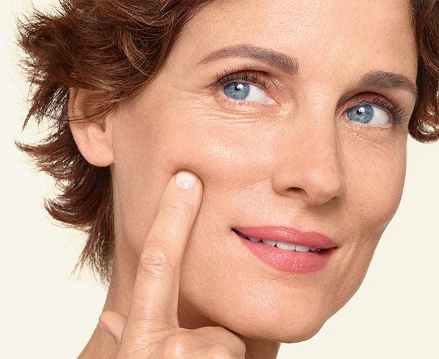 MAGISTRAL NA NOC Odżywczy krem przeciwzmarszczkowy dla kobiet po menopauzie