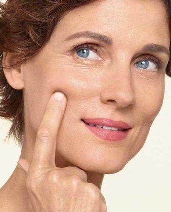 Jak mogę pomóc skórze podczas menopauzy? Najlepsze porady, jak pielęgnować skórę