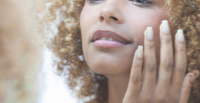 Jak zwalczyć podrażnienia na twarzy?