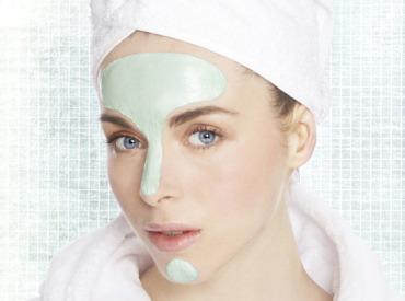 Strefa T na twarzy- jak zniwelować nadmiar sebum?