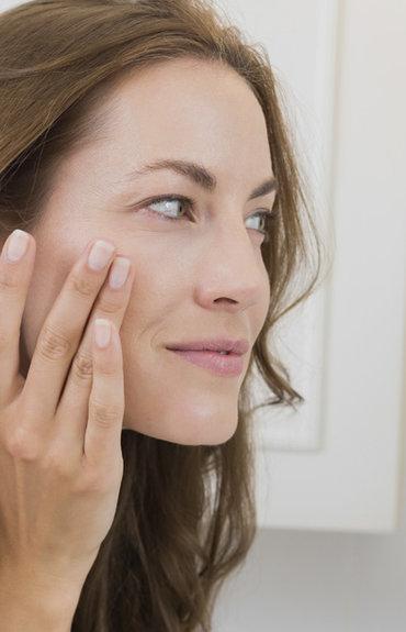 Pielęgnacja skóry dojrzałej - wybierz podkład przeciwzmarszczkowy!