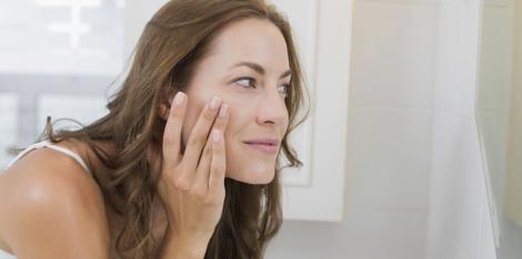 Jak zlikwidować suche skórki na twarzy? Sprawdź 5 sprawdzonych sposobów!