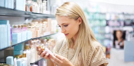 Co znajduje się w kosmetykach? Dobre i złe składniki – wyjaśnienie