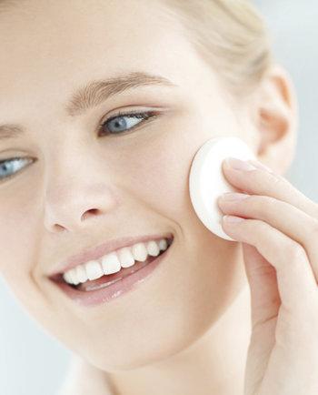 Jak poprawnie oczyszczać twarz?