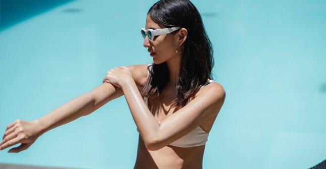 Filtr SPF zapewnia skórze ochronę przed promieniami UVB i oparzeniem